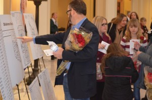 Hundreds of Oklahoma Baptists came to the Oklahoma State Capitol to hand-deliver roses to their elected officials.